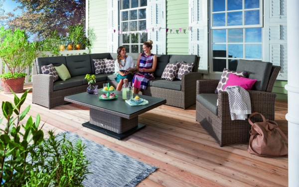 Siena-Garden-Lounge-Tirol-Sitzgruppe-mit-Tisch