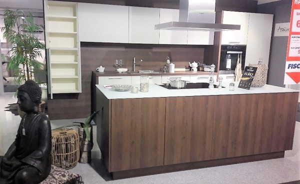 Schüller-Einbauküche-Uni-Matt-grau-hell-eiche-dunkel