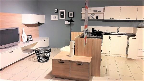 Schüller-Einbauküche-Porto-mit-Wohnwand-offene-Wohnküche