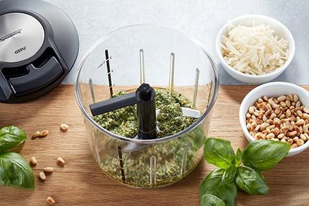 Gefu Multizerkleinerer Speedwing geschnittenes Obst Gemüse schnell einfach Pesto