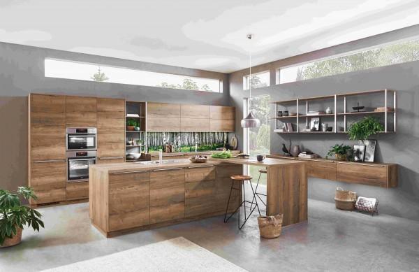 Nobilia-Wertküche-Structura-Eiche-Inselküche-mit-Tisch